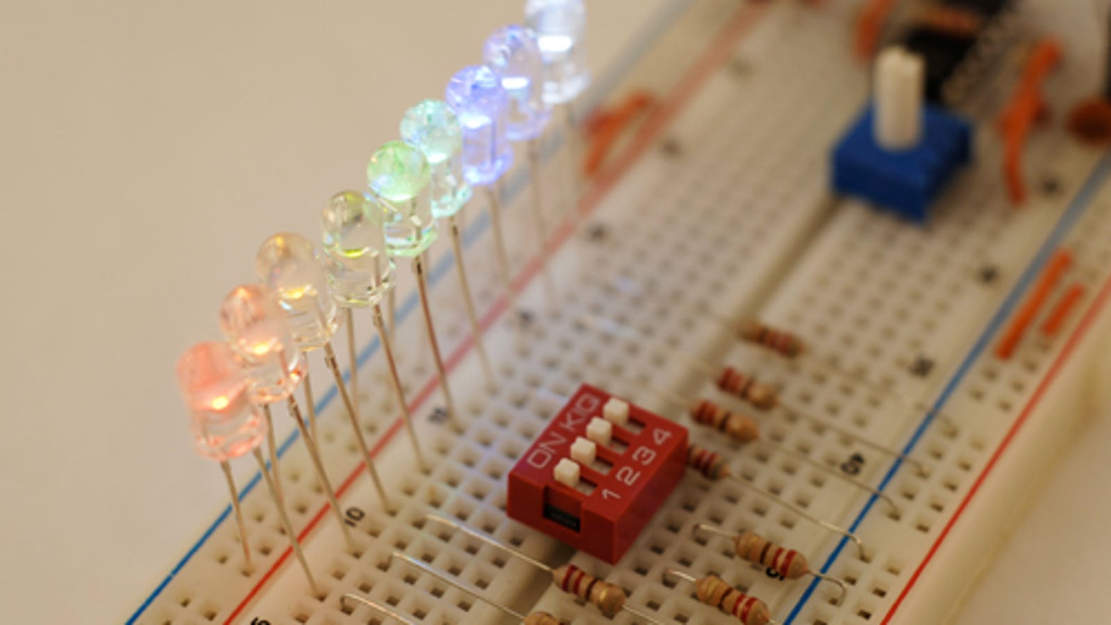Gizmodo University: The Bright Ideas Behind LED's