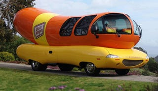Illustration for article titled PETA Suggests Wienermobile Should Be Buried With Oscar Mayer