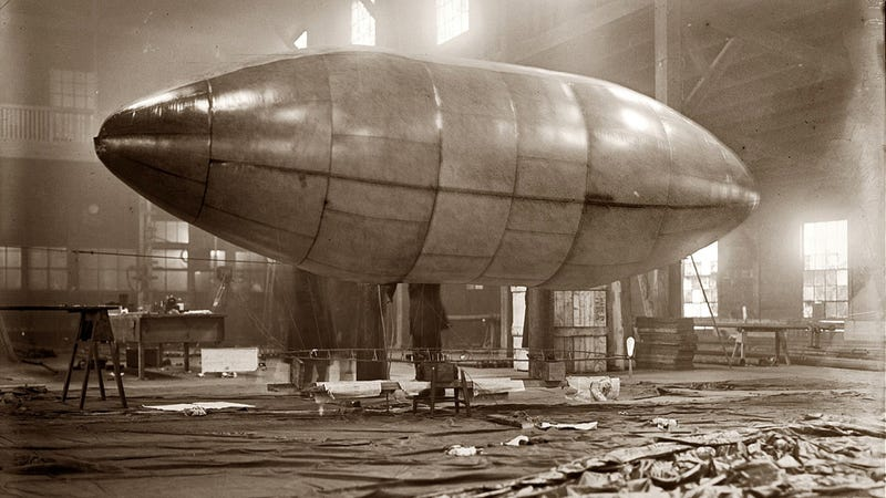 Illustration for article titled The World Was Awesome When Airships And Blimps Ruled The Skies