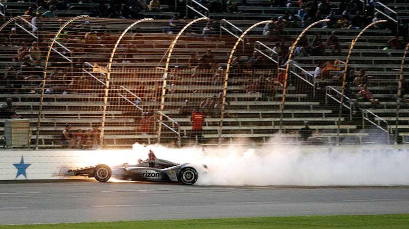 Illustration for article titled The IndyCar Season Finale Should Be Held at an Oval: Change My Mind