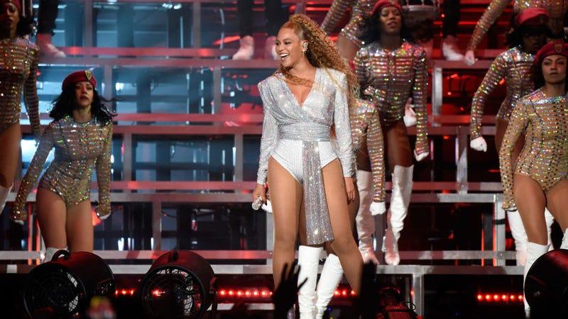 Illustration for article titled Beyoncé's Illuminati-worshiping Coachella performance, decoded