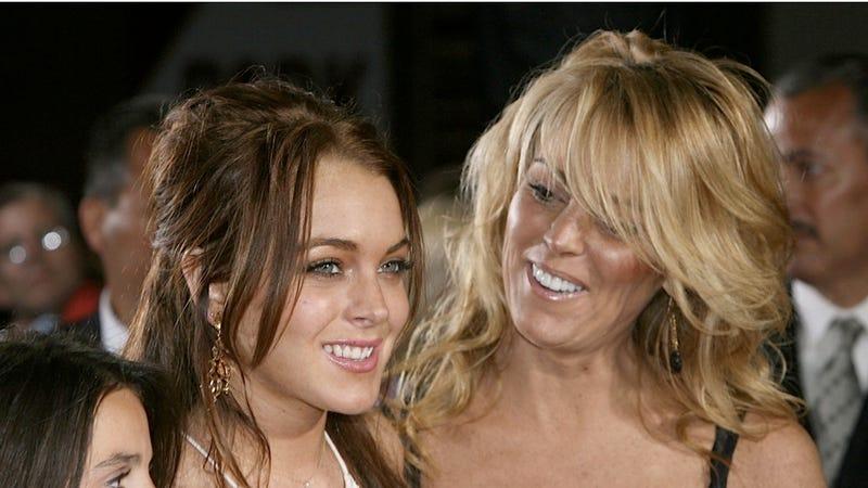 Illustration for article titled Best Mom Ever Dina Lohan Is Super Proud of Daughter Lindsay's TV Stardom