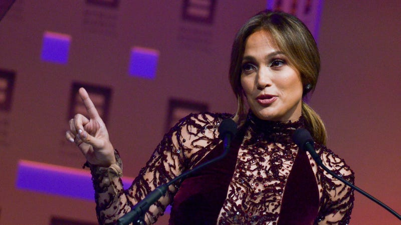 Illustration for article titled J-Lo Didn't Get Face Surgery--She's Just NATURALLY MAGNIFICENT