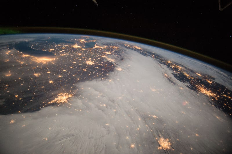 Illustration for article titled A Gorgeous View of the Great Lakes from International Space Station
