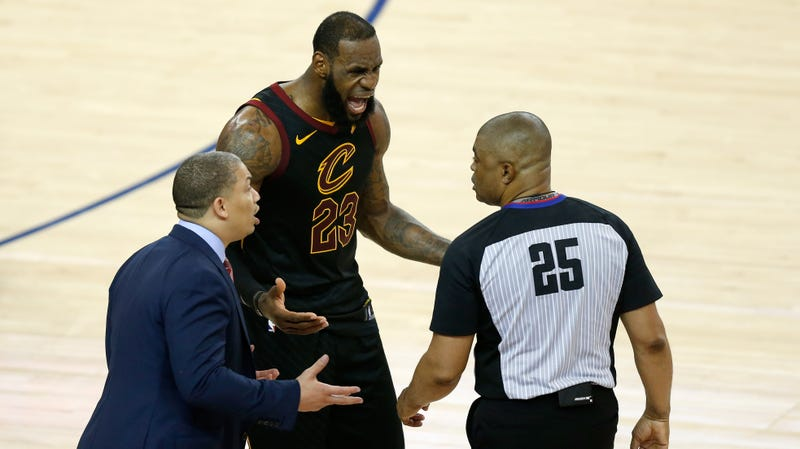 Illustration for article titled NBA L2M Report: The Refs Made A Big Dumb Mess Of The End Of Game 1