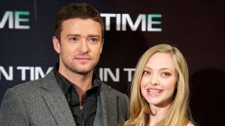 Illustration for article titled Justin Timberlake And Amanda Seyfried Pose For Bad Prom Photos
