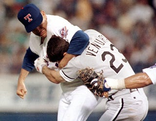 Illustration for article titled A Fond Remembrance Of The Night Nolan Ryan Kicked Robin Ventura's Punk Ass