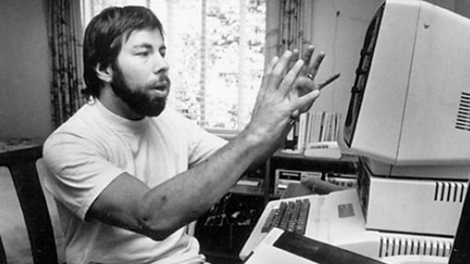 How Steve Wozniak Wrote Basic For The Original Apple From