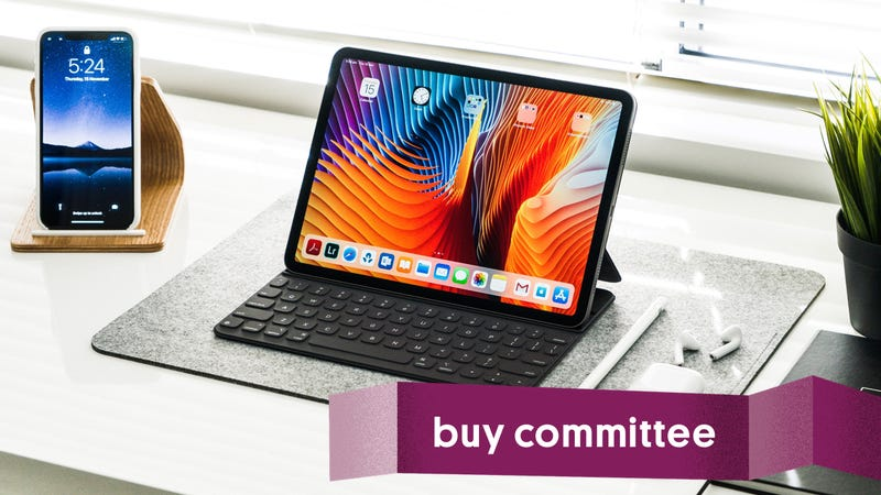 Illustration for article titled Buy Committee: Should I Buy a Keyboard for My iPad?
