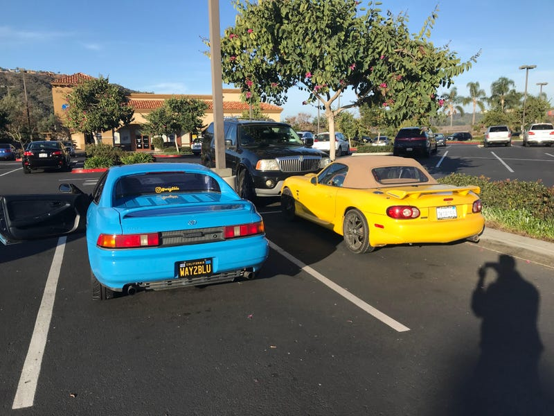 Yup, I parked just to get a pic with the NB Miata.