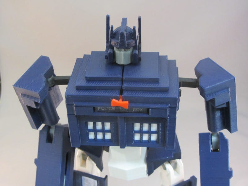 Illustration for article titled Remember that one time Optimus Prime turned into the TARDIS?