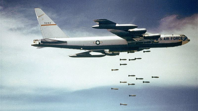 Illustration for article titled US taunts China by flying two B-52 bombers over restricted airspace
