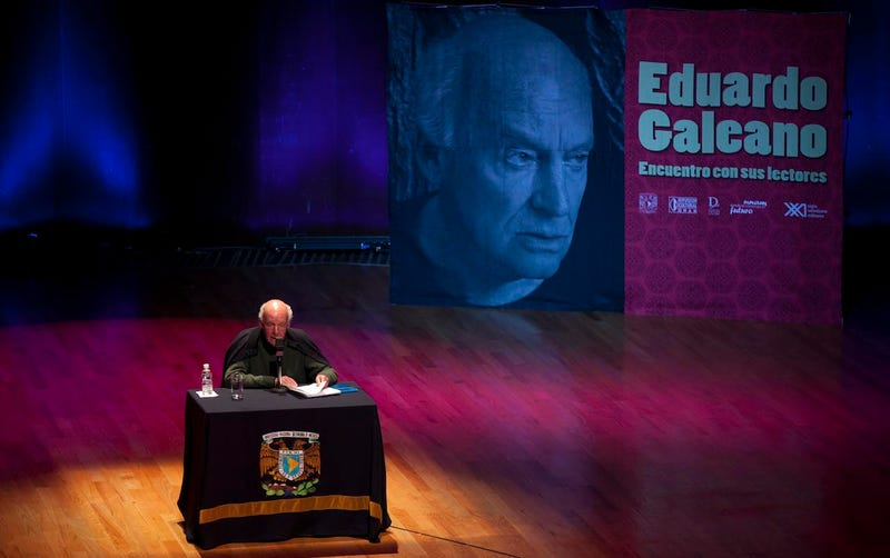 Illustration for article titled Eduardo Galeano Has Died; Here Are Excerpts From His Classic Soccer Book