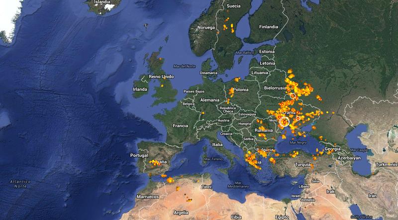 Illustration for article titled Este fascinante mapa muestran los relámpagos que caen sobre el planeta en tiempo real