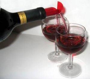 Illustration for article titled Double Pourer: Serve Drinks Like James Bond