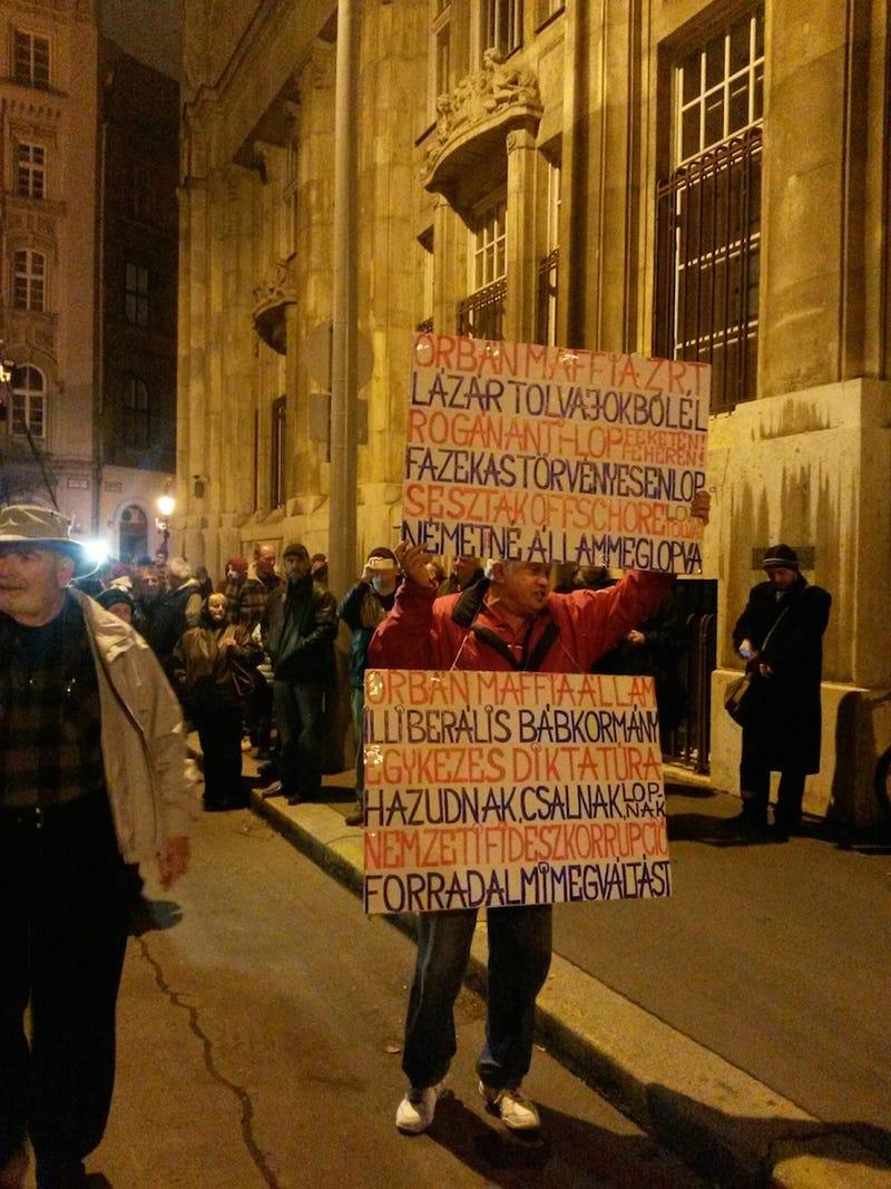 Illustration for article titled 48 órát ad Gulyás Balázs a kormánynak, hogy visszavonja a netadót