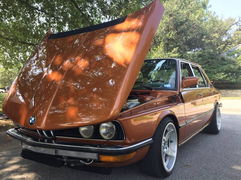 "Illustration for article titled Could This Restored 1977 BMW ""535i"" Wrest $18,000 From Your Wallet?"