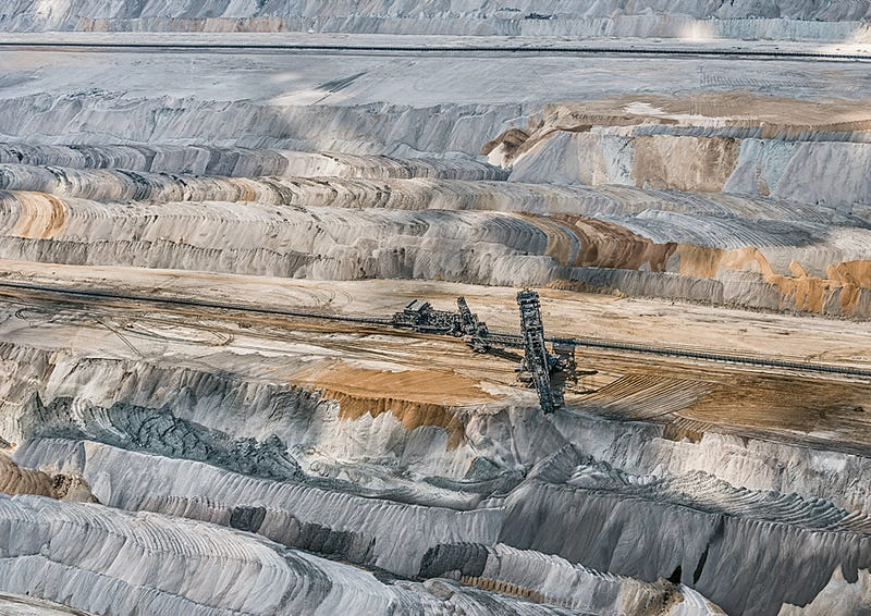 Illustration for article titled Aerial Photos of Coal Mining Pits Are Sublime and Terrifying