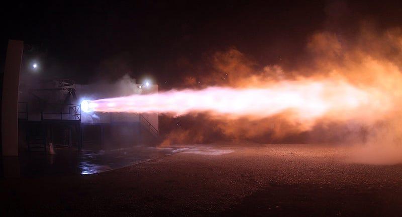 Illustration for article titled SpaceX enciende por primera vez el motor que hará real el sueño de Musk de colonizar Marte