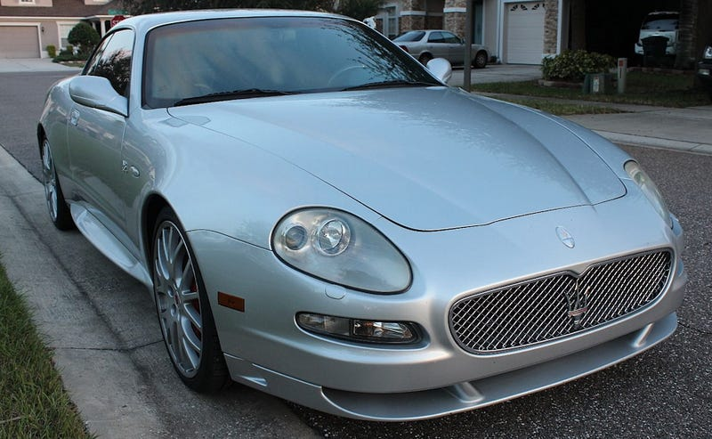 Illustration for article titled For $10,500, Would You Take A Gamble With This 2005 Maserati Grand Sport?