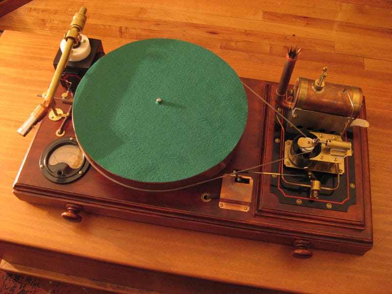 Illustration for article titled An Actual Steam-Powered Steampunk Record Player Looks Beautiful But Sounds Horrible