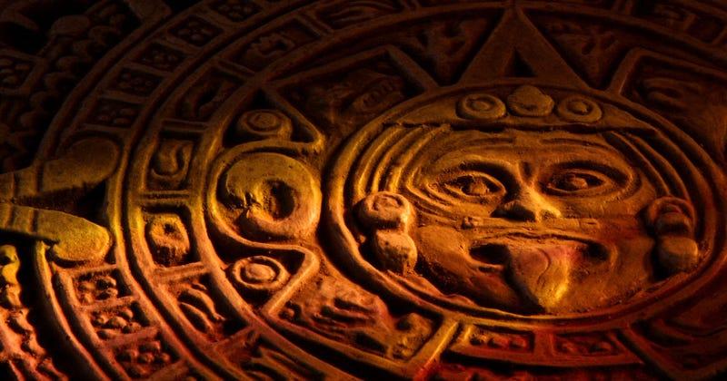 Illustration for article titled De la luna de sangre a los Mayas: las profecías mas absurdas sobre astronomía