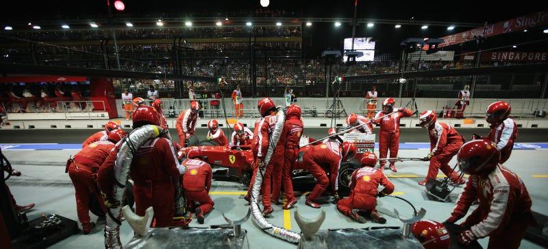Illustration for article titled F1 Is Bringing Back Refueling