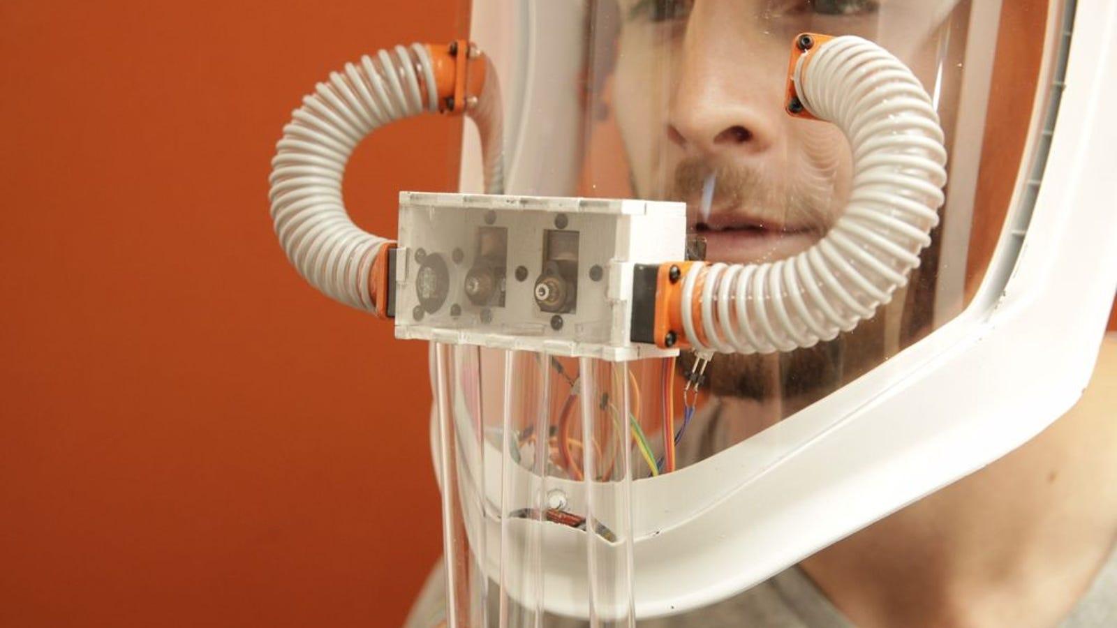 Experimenta la sinestesia: esta máscara hace posible oler los colores