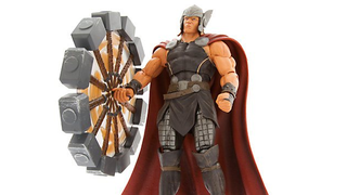 Illustration for article titled Diamond Select's New Thor Figure Comes With The Coolest Mjolnir Ever