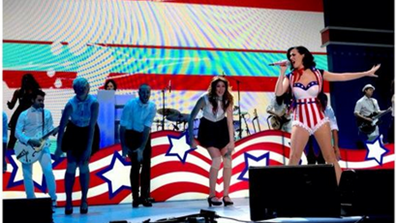 Illustration for article titled Michelle Obama Tweets Pic of Katy Perry Performing at What Looks to Be the Best Inauguration Party