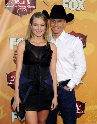 Illustration for article titled Jewel & Ty Murray Expecting First Child