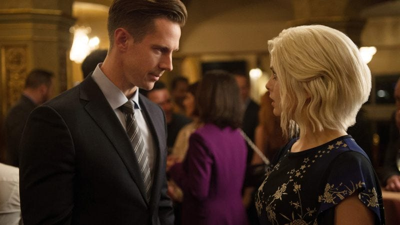 Jason Dohring, Rose McIver (Photo:  Diyah Pera/The CW)
