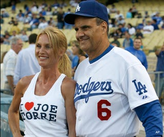Illustration for article titled Afternoon Blogdome: Joe Torre Gets Accosted By Rubber-Faced Fan At Ballpark