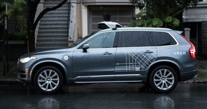 """Illustration for article titled La policía de Arizona afirma que era """"completamente imposible"""" evitar el accidente del coche de Uber"""