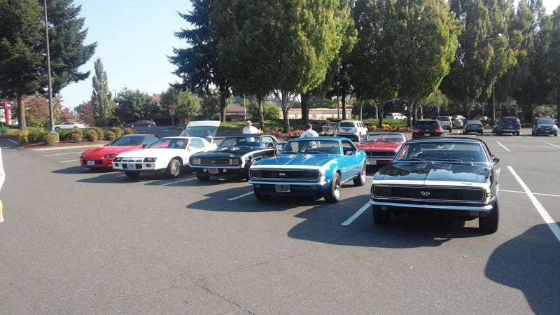 Illustration for article titled Columbia River Camaro Club Fun Day (Photo Dump)