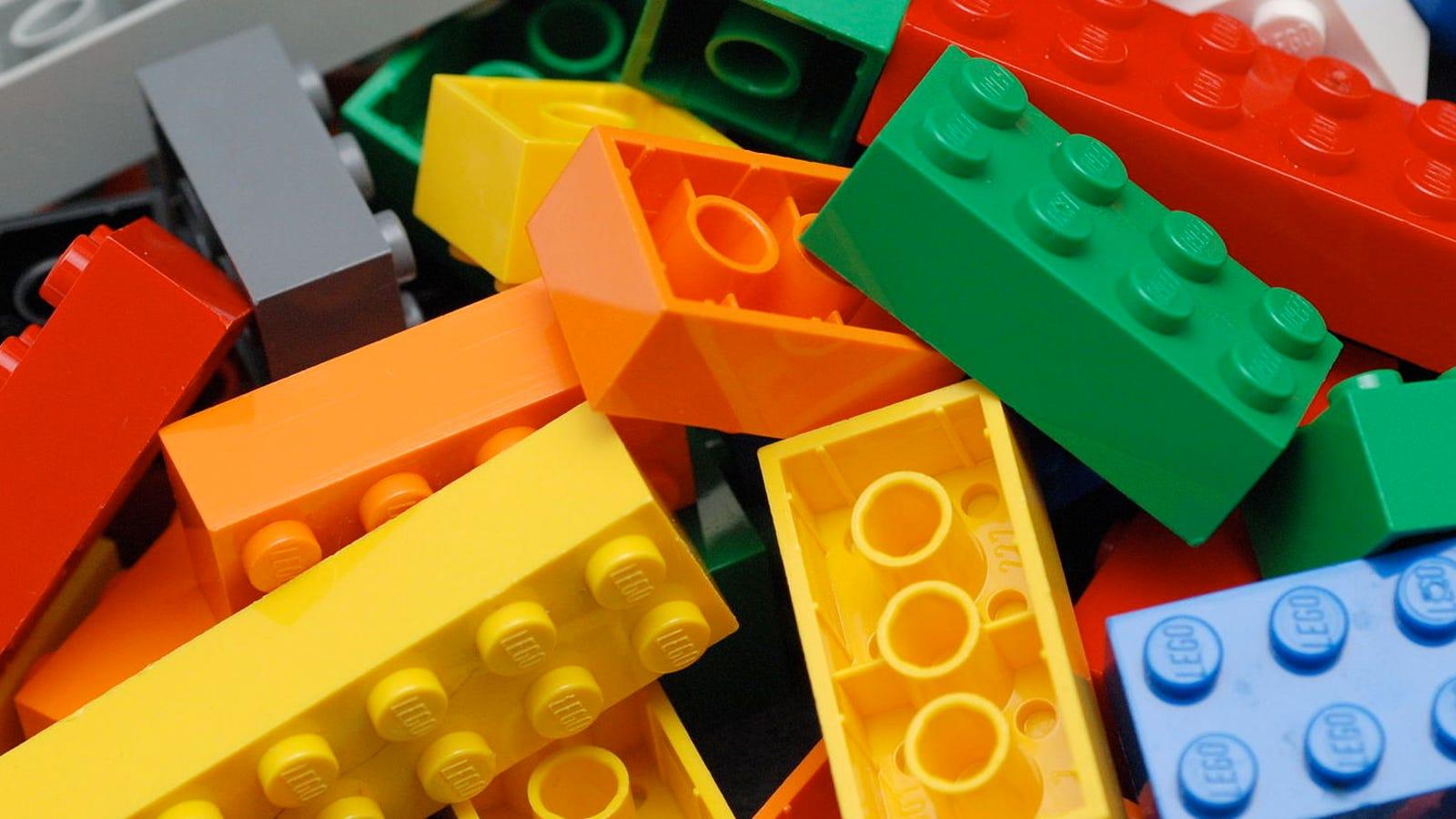 El número de combinaciones matemáticas que hay con solo 6 piezas de Lego te romperá la cabeza