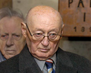 Illustration for article titled Kedden indul a kommunista belügyminiszter,  Biszku Béla büntetőpere