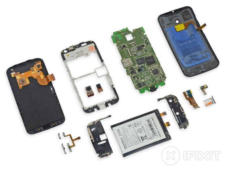 Illustration for article titled Moto X Teardown: So This Is What Made in the USA Looks Like