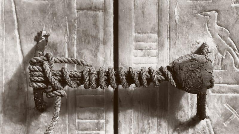 Esta es la cerradura original que usaron los egipcios para sellar la tumba de Tutankamón