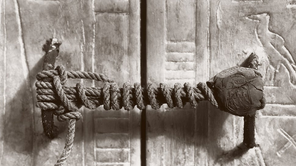 Imagine being an archaeologist exploring ancient shrines in Egypt and stumbling upon this 3245-year-old unbroken seal. Such was the sight that greeted ... & This Is The Actual Seal That Secured King Tutankhamunu0027s Tomb
