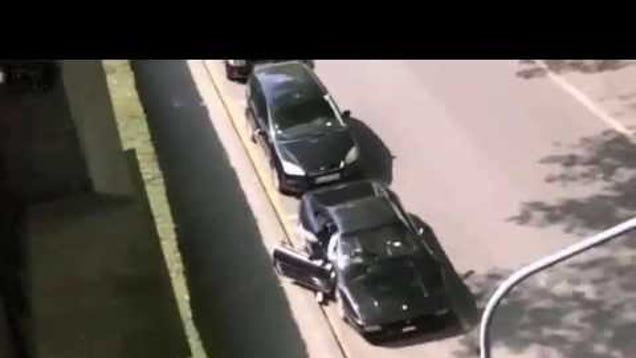Thieves Filmed Stealing Ferrari 348 In One Minute  Can Barely Drive It