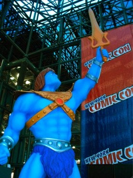 Illustration for article titled New York Comic Con Day One: The Blue Upskirts Begin