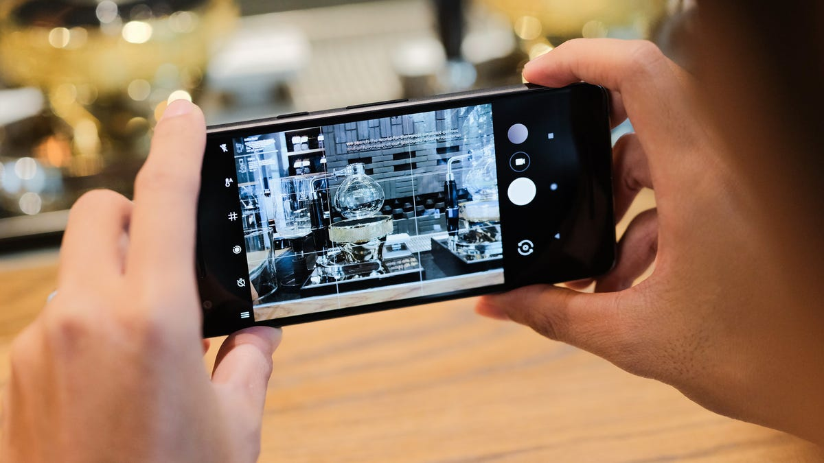 Use google assistant on your new pixel 2 to take a hands free use google assistant on your new pixel 2 to take a hands free thanksgiving family photo jeuxipadfo Choice Image