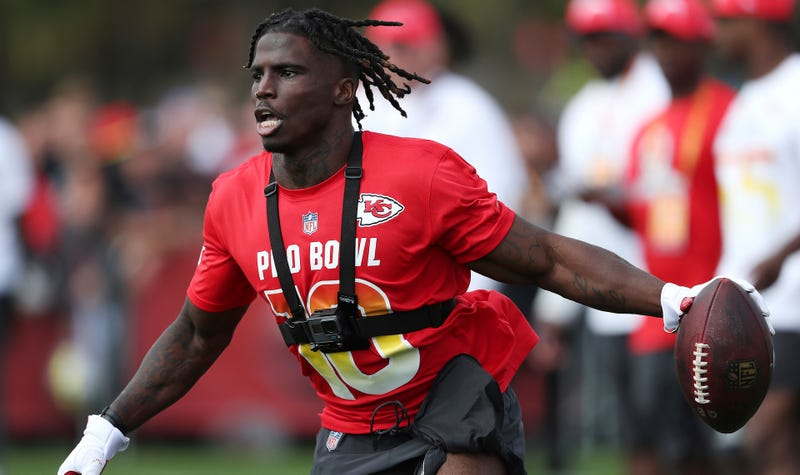 Reports  Cops Investigating Tyreek Hill For Allegedly Breaking Three ... 5f2623e7a