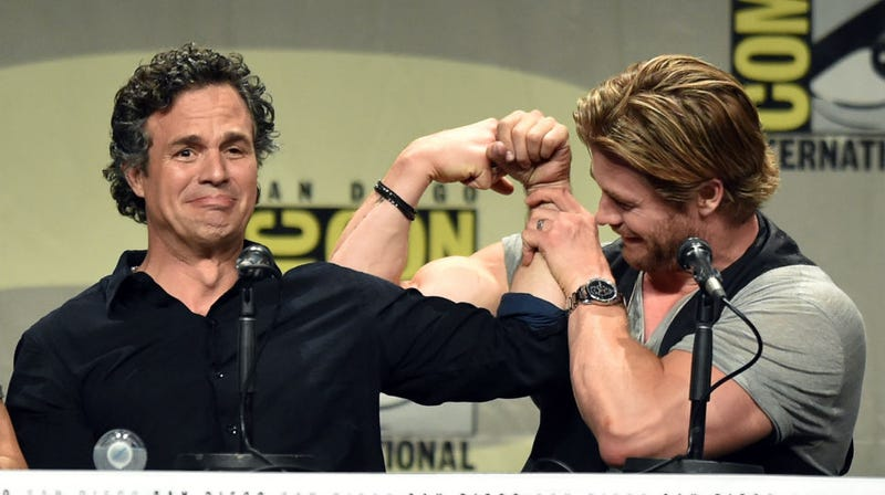 Illustration for article titled Tweet Mark Ruffalo If You Need Help Captioning This Comic-Con Picture