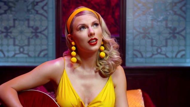 Taylor Swift's 'Lover' Wins Grammy For Best Children's Album