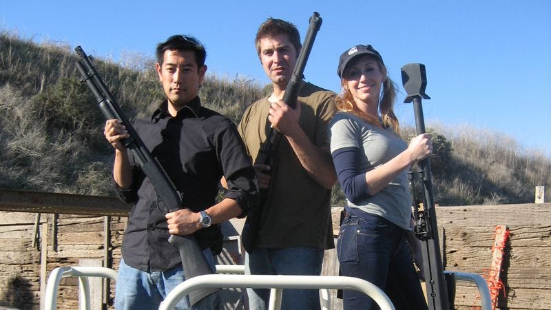 Illustration for article titled A big chunk of the Mythbusters team is leaving