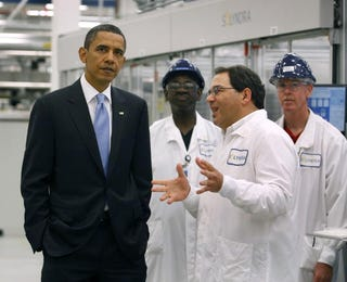 Obama with Solyndra execs (Getty)