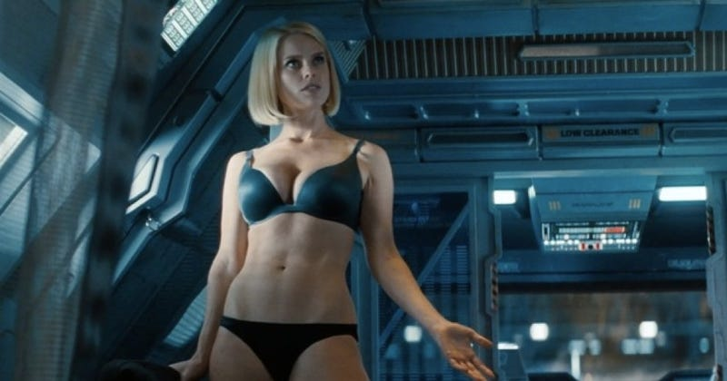 "Illustration for article titled Damon Lindelof admits the Star Trek underwear scene was ""gratuitous"""