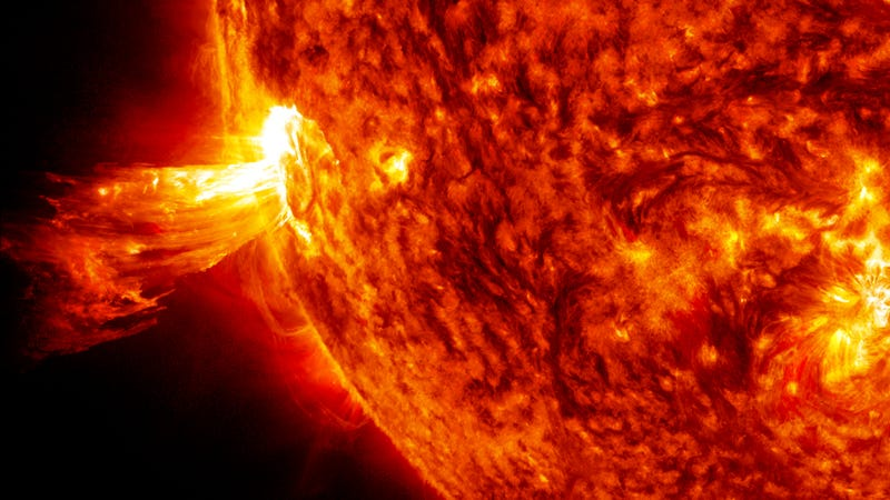 A Monster Solar Storm Could Cost the US $40 Billion Daily